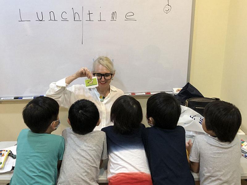 理由8 ネイティブ講師による子ども英会話
